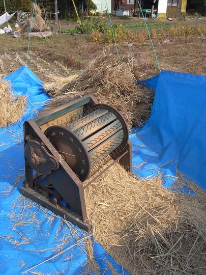 農具2:足踏み脱穀機